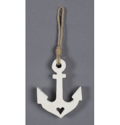 Bring a natural chic feel to any space with this hanging wooden anchor