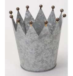 A rustic themed metal crown, a stylish decorative piece for the home or garden