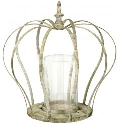 This beautiful shabby chic themed metal crown will add a glam feel to any space