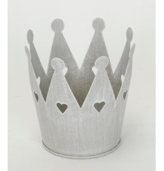 Chic Heart Crown Tlight Holder  Add a tlight to this chic metal crown to produce a warm cozy glow