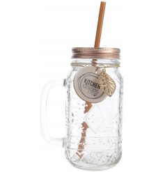 Bring a rustic edge to your kitchenware with this stylish pure&warm inspired drinking jar