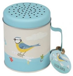 A pretty and practical metal flour shaker in the popular Blue Tit design. Perfect for adding those finishing touches to