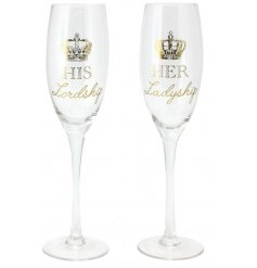 These glam styled flute drinking glasses will make a perfect gift idea for any couple who enjoy a glass of bubbly