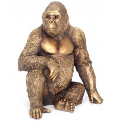 Add a touch of the African Plaines into your home with this beautiful sitting Gorilla figure