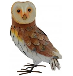 Place this beautifully finished metal Barn Owl in your garden to add a close to wildlife feel
