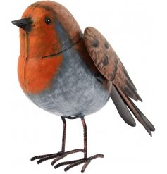 A small metal robin garden figure
