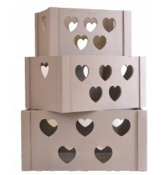 A set of 3 white-grey rustic heart crates