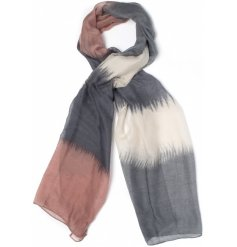 Add a touch of Autumn to your outfit with these ombre inspired scarves,