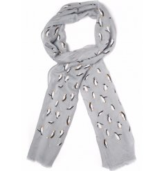 Get bundled up for the winter with these chic and sweet penguin themed scarves
