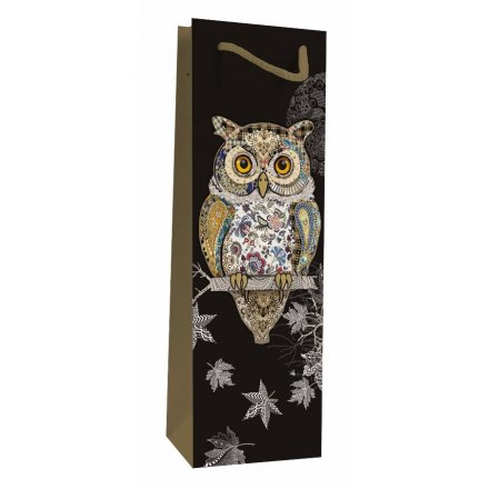 Detailed Owl Bottle Bag