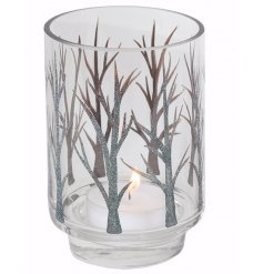 Bring an eerily chic vibe to any dining party with this beautiful hurricane candle holder