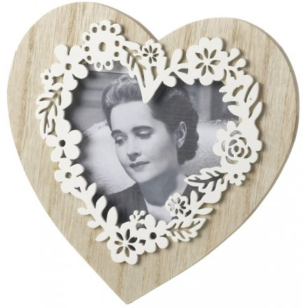 Byz312 Natural Wooden Heart Frame With Floral Effect 38186