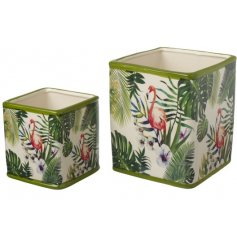 Bring a fun flamingo inspired theme to your home or garden with this ceramic set of planters
