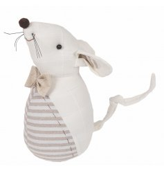 Add a classical vintage tone to your home spaces with this fabric mouse doorstop