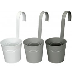 Small buckets in a grey tone assortment