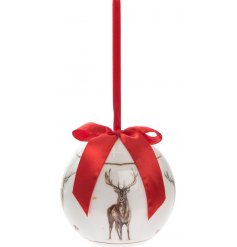 Add a vintage classic touch to your christmas tree this festive season with this beautifully finished hanging bauble