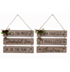 Scripted tier plaques, beautifully topped with an added pinecone and leaf decal