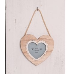 Bring a shabby chic touch to your living spaces with this natural toned hanging heart picture frame