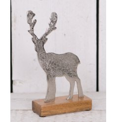 Bring a rustic woodland touch to your home decor at Christmas time with this beautifully distressed standing Reindeer o