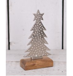 Bring a simplistic rustic touch to your home decor at Christmas time with this simply distressed tree ornament