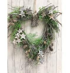 Bring a touch of the woodlands onto any front door or window space with this beautifully finished twig wreath
