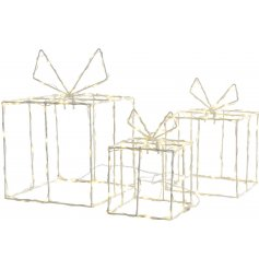 Bring a sleek Winter Luxe touch to any home decor this Christmas season with this stylishly chic metal set of sized gift