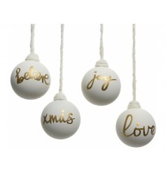 Bring a Winter Wonderland feel to your tree decor or home interior this festive season with this assortment of 4 baubles
