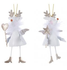 Bring a magical and festive feel to any tree decor this Christmas time with this adorable assortment of hanging deers