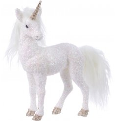 Set up any Winter Wonderland inspired scenes in your home or displays with this beautiful White Foam Unicorn