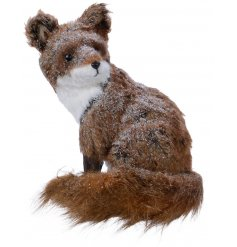 Bring an enchanting Woodland Forest feel to your home decor or displays with this beautifully finished sitting fox figur