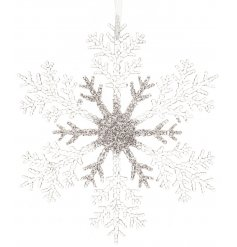 Bring a glitzy glittery touch to any tree decor this festive season with this glamorous silver sparkling plastic snowfl