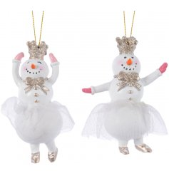 These fabulous prancing snowmen hanging decorations will be sure to add a glittery touch to any themed Christmas tree