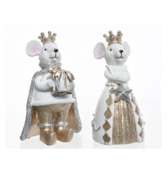 This assortment of King and Queen resin mice will be sure to add a golden glitz feel to any theme they're in