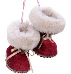 Bring a sparkling touch to your tree display this Christmas with this sweet little pair of hanging booties