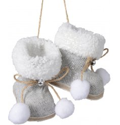 Add a touch of silver to any tree theme or display with this sweet pair of hanging winter boots