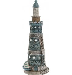 Use this ornamental decoration to introduce a nautical inspired feel into any home interior