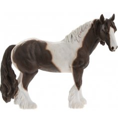 Introduce a vintage charm feel to any home space with this wonderfully detailed Cob Horse