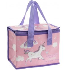 Add a dash of magic to your lunch times with this rose pink, unicorn lunch bag