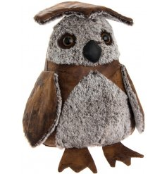 An adorable standing owl doorstop, set in a faux leather look