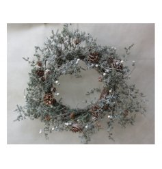 Bring a rustic winter woodland vibe to your home spaces this christmas period with this beautifully finished woven wreat