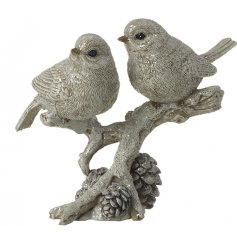 Bring a beautiful rustic woodland touch to your home decor or displays with this sweetly designed perched bird ornament