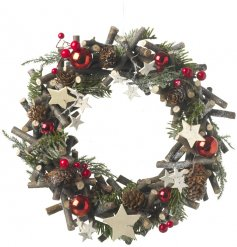 Bring a sense of the woodlands to any themed decor this Christmas season with this beautifully decorated wreath