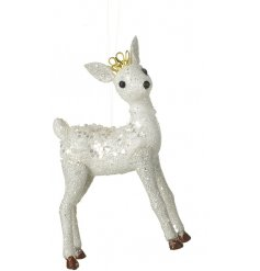 Coated in a shimmering glitter, this crown topped deer will be sure to bring some elegance to any Christmas tree