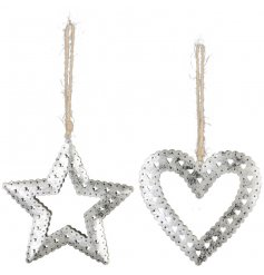 Bring a rustic charm to your home display or tree decor this Christmas season with this chic assortment of hanging stars