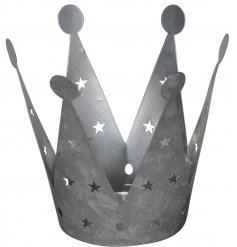 Bring a charming silvered touch to your home decor this festive season with this chic metal crown tlight holder