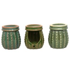 Invite an on-trend Greenery themed touch to any home interior or display with this quirky assortment of Cacti Oil Burner
