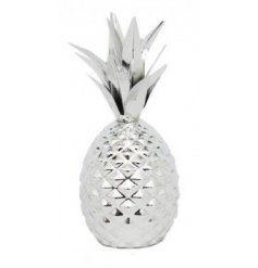 A Silver Pineapple & Leaves Ornament