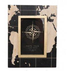 A World Map Design Photo Frame