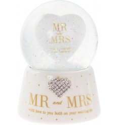 Bring a beautiful little sparkle to any newly weds special day with this sweet gift idea