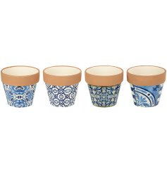 Bring a charming blue touch to any Rustic Edge living environment with this sleek assortment of Dolomite pots